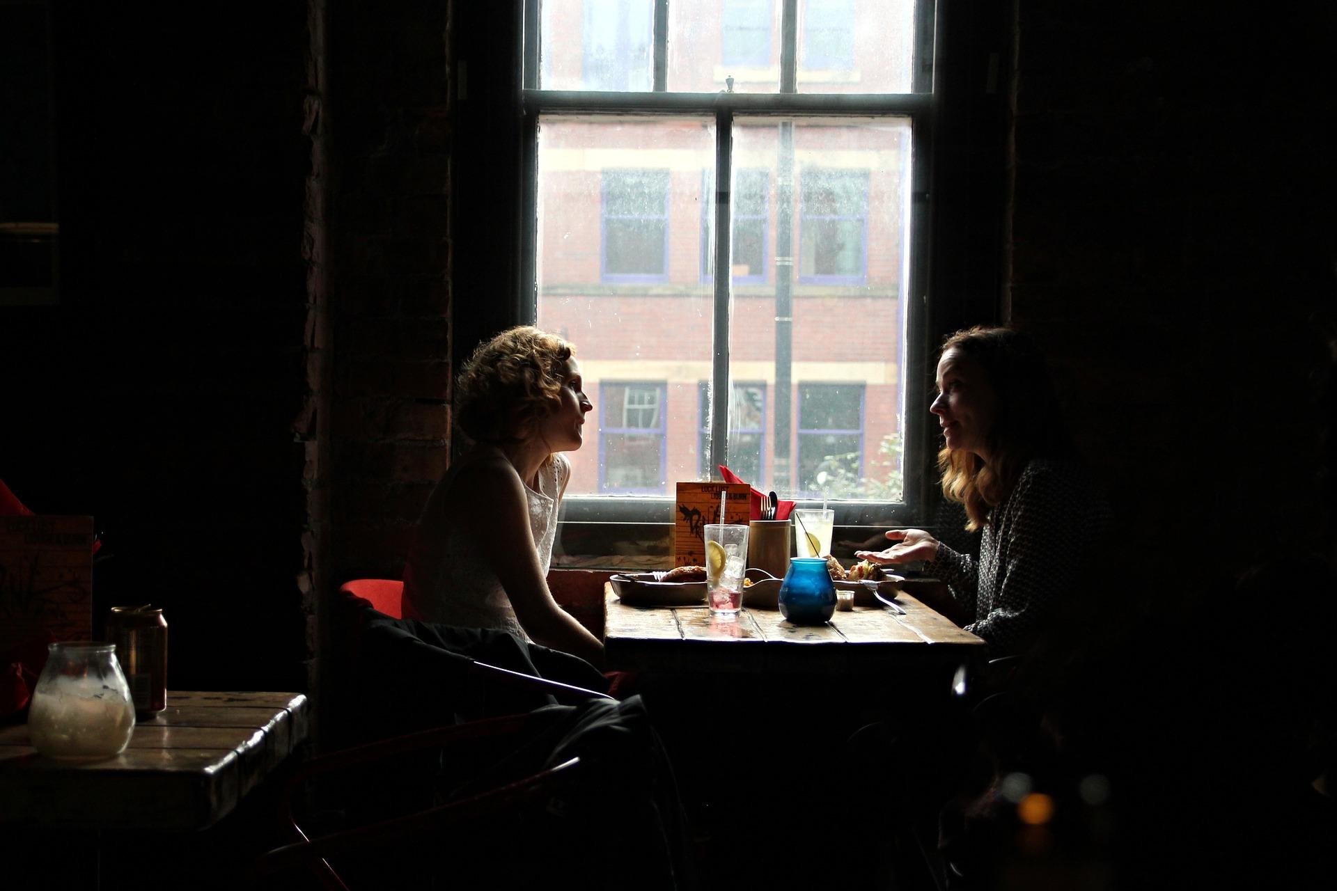 deux filles en interview
