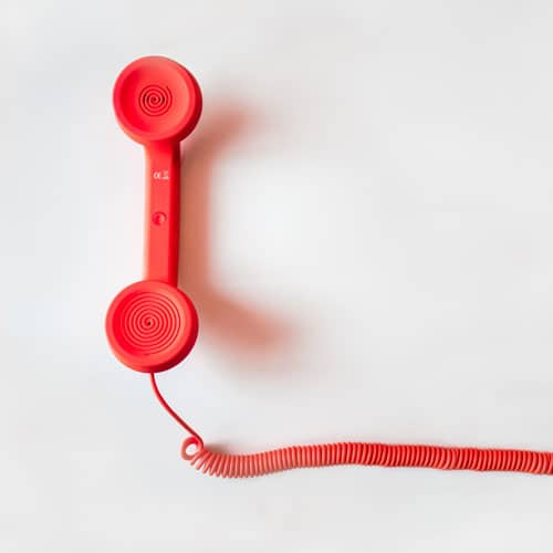 téléphone rouge pour relancer un prospect